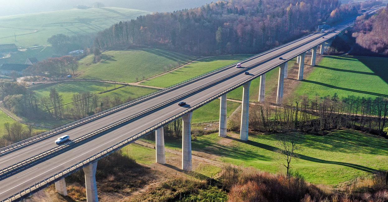 "Autobahnbrücke der A98   ""Drohnenaufnahme"""