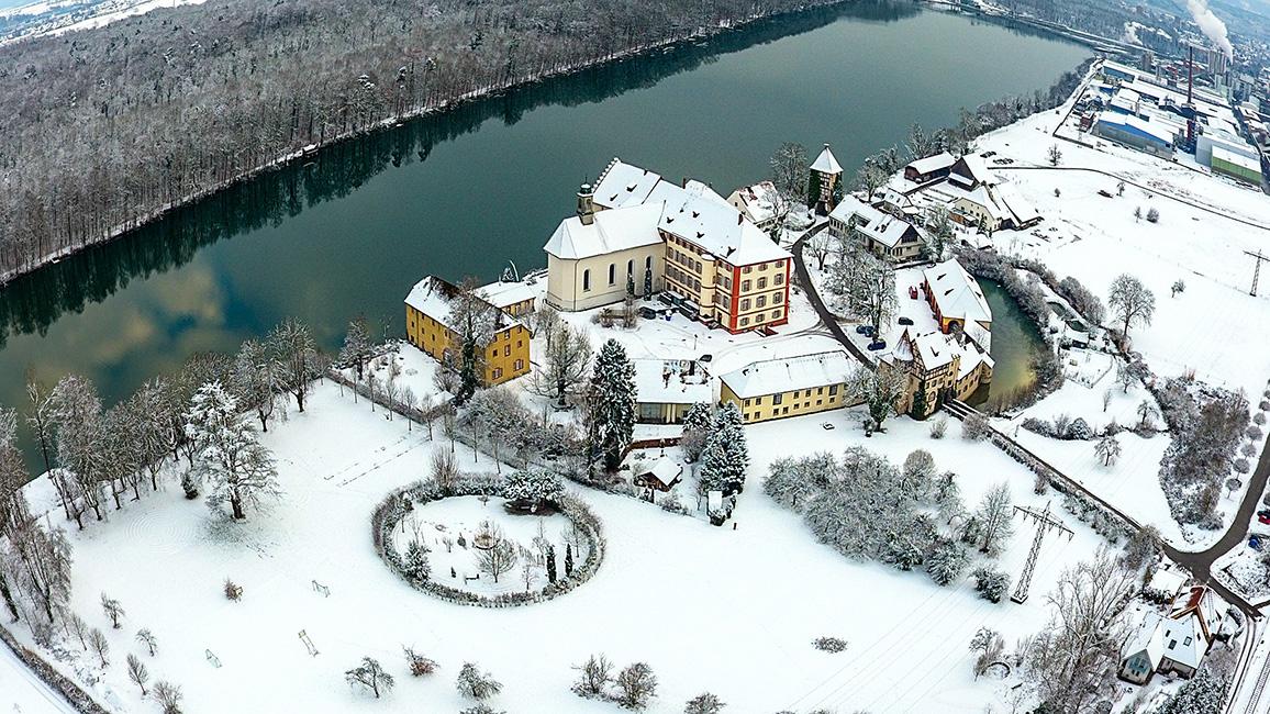 Schloss Beuggen im Schnee (Drohnenaufnahme)